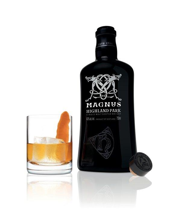 HP_17_Magnus_Old_Fashioned_serve_and_bottle-587x720-61e031cf-4ef7-4084-abb5-a3664d6c985e